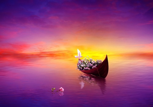 A relaxing scenery of a boat in the middle and a flying white bird. The picture has details witch gives out a relaxing feeling when looking at it. As it's a larger picture you can put it up on a wall to fulfil space that you have.